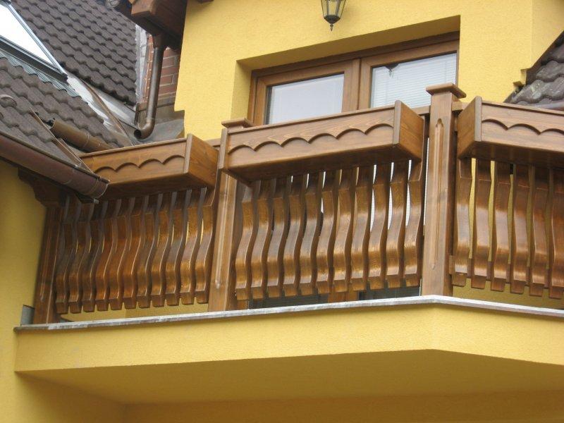 truhlářství dřevěné dveře zábradlí