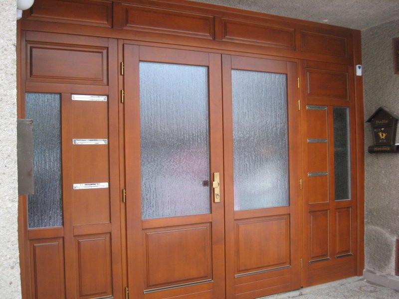 dveře masív dřevo schránky